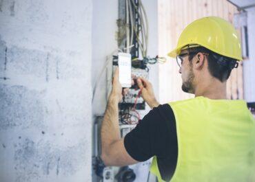 Jakim celom służą pomiary drgań i wibracji budynków?